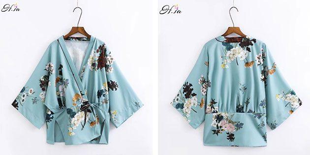 женское кимоно с цветочным узором