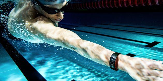Samsung представила новые часы Gear Sport, браслет Fit2 Pro и беспроводные наушники IconX