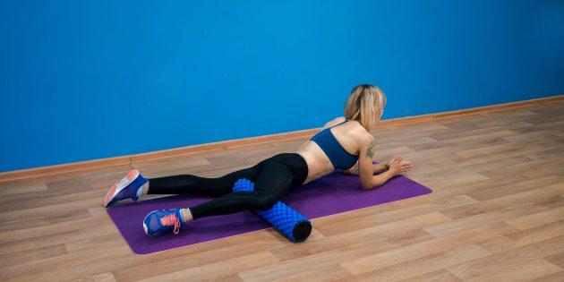 Как делать массаж ног: Раскатка внутренней части бедра на ролике