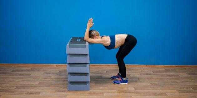 упражнения-филлеры: растяжка спины стоя