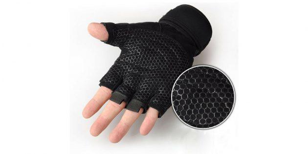 Спортивные перчатки для тренировок