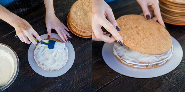 Рецепт торта Медовик: промажьте коржи