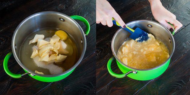 Торт Медовик: Смешайте яйца, масло, сахар и мёд