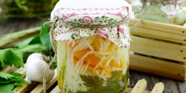 Простые салаты на зиму: Салат из кольраби