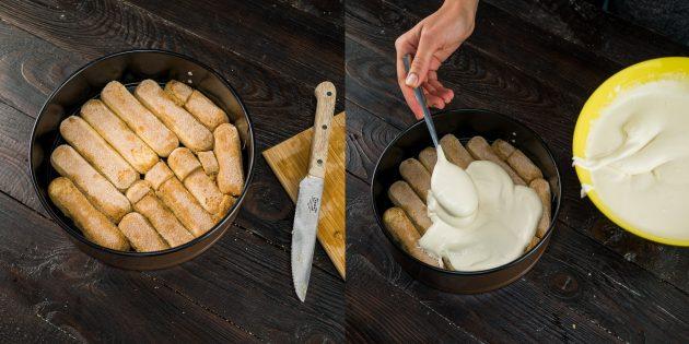 На слой савоярди выложите половину крема