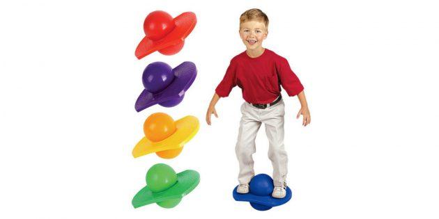 Что подарить ребёнку: балансировочный мяч