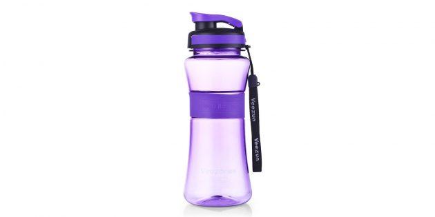 Пластиковая прозрачная бутылка