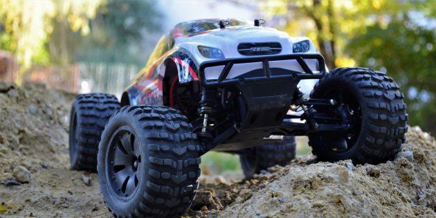 Обзор ZD Racing Thunder — мощного монстр-трака с дистанционным управлением