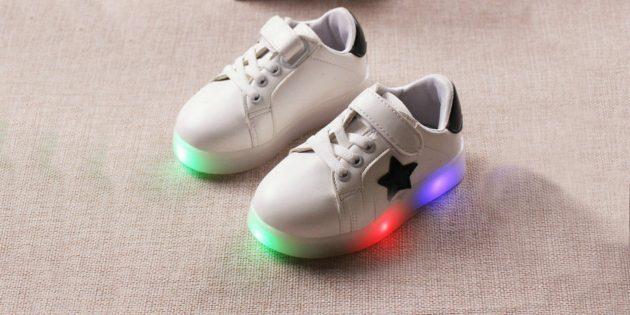 Кроссовки со светодиодной подсветкой