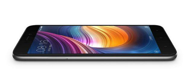Xiaomi Redmi 5A вид сбоку