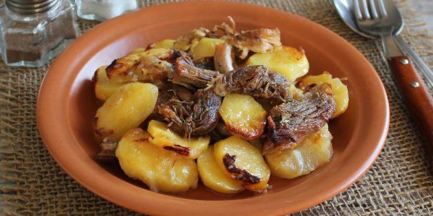 Картошка с мясом, запечённая в рукаве