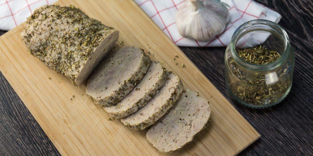 Рецепт домашних колбасок в кишке