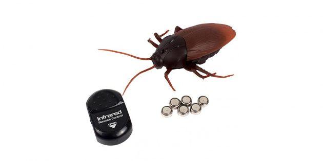 Что подарить ребёнку: радиоуправляемый таракан