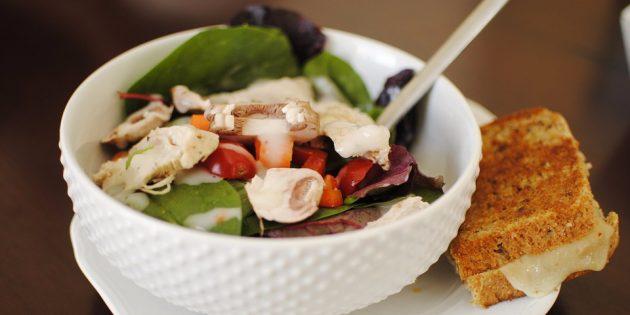диетические салаты: салат с шампиньонами