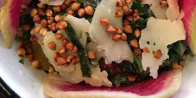диетические салаты: салат с гречкой и пармезаном