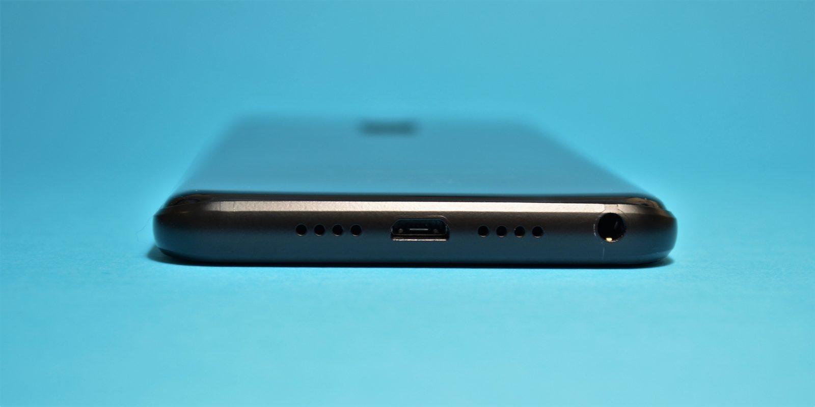 Leagoo S8: разъёмы