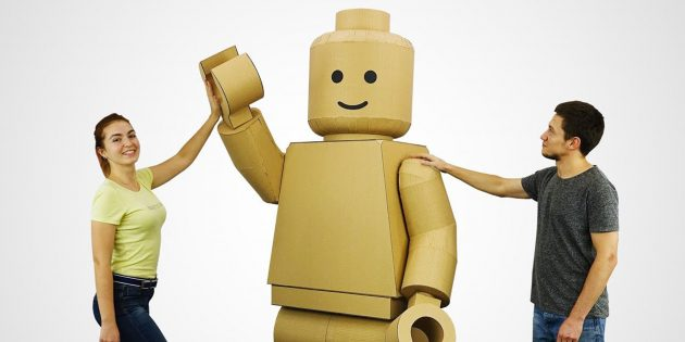 Видео дня: костюм LEGO-человечка своими руками