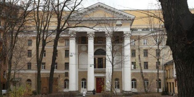 Достопримечательности Санкт-Петербурга: Киностудия «Ленфильм»