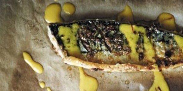 Рецепты с рыбой: Запечённая скумбрия с чесноком и паприкой