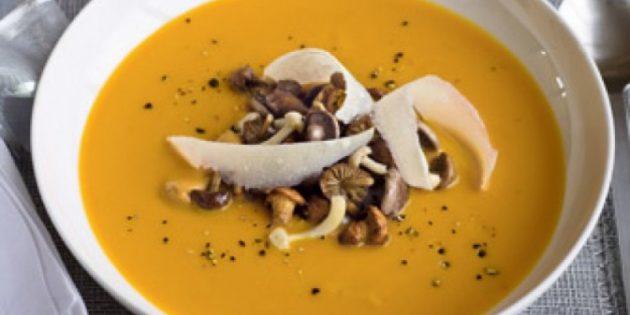 Что приготовить из курицы: Тыквенный суп с грибами на курином бульоне
