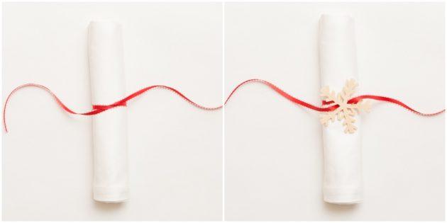 Как украсить новогодний стол: Кольца из ленты и декоративного элемента