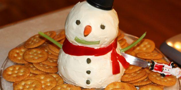 Новогодние блюда: Закуска «Сырный снеговик»