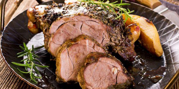 Рецепт вкусного мяса в духовке: Медленно приготовленная баранина с айвой