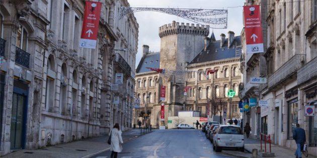 Куда поехать в январе: Ангулем, Франция