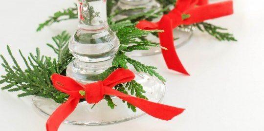Как украсить новогодний стол: Украсьте бокалы