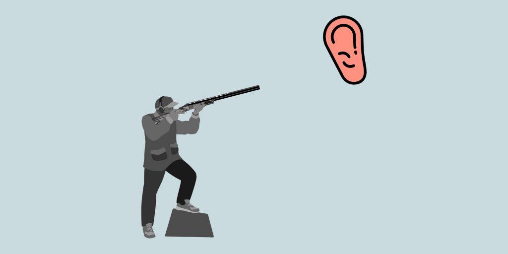 Стреляет в ухе с левой стороны: причины, что делать