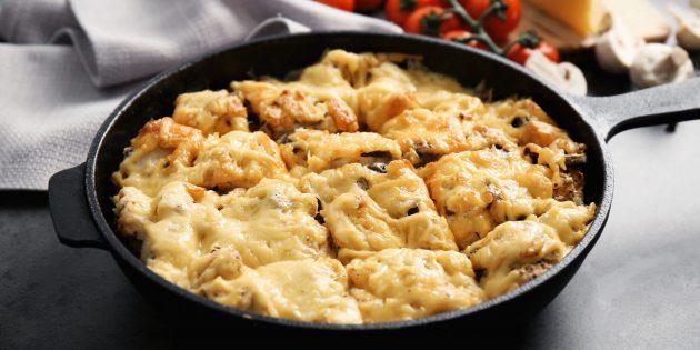 Как приготовить жюльен с курицей и грибами на сковороде