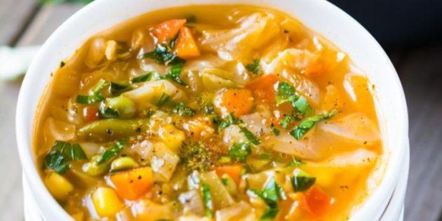 Рецепты с капустой: Лёгкий суп с капустой и смесью овощей