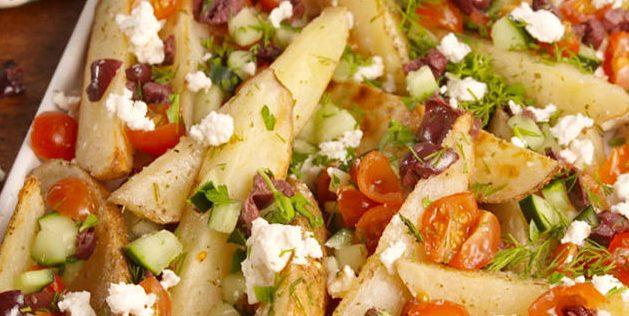 Картофель по-гречески с лимонно-йогуртовым соусом