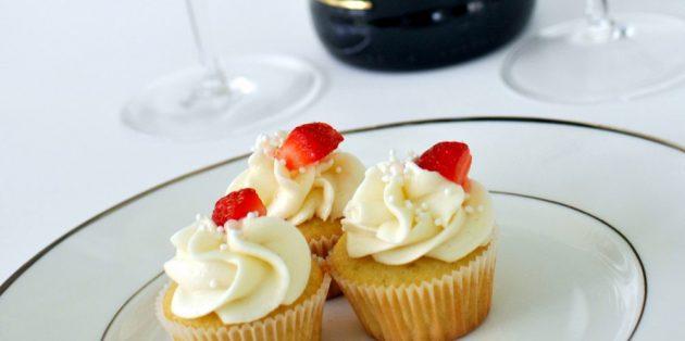 Что приготовить на 14 февраля: Кексы с шампанским