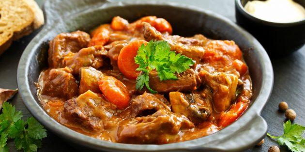 Что приготовить из говядины: Рагу из говядины в духовке от Джейми Оливера