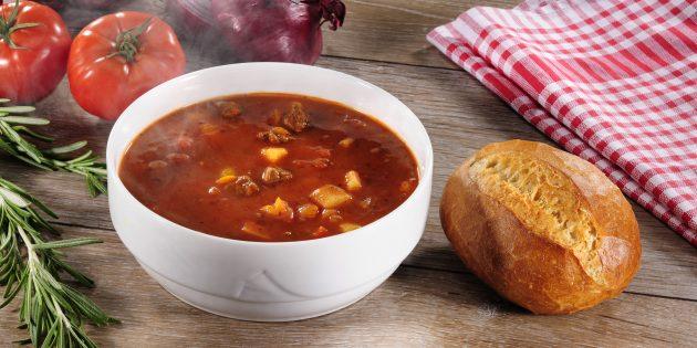 Что приготовить из говядины: Суп-гуляш с говядиной от Джейми Оливера