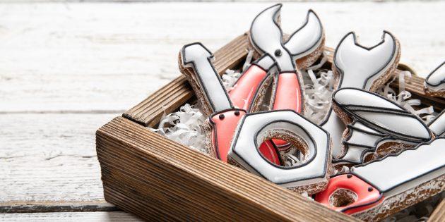 Подарки на 23 Февраля своими руками: печенье-инструменты