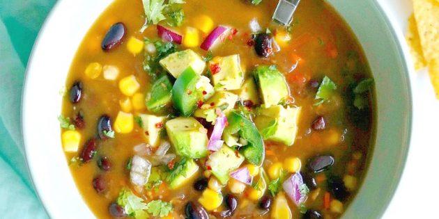 Овощной суп с фасолью и кукурузой