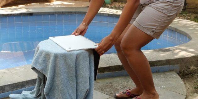 Если на ноутбук попала вода, его надо сушить 48 часов