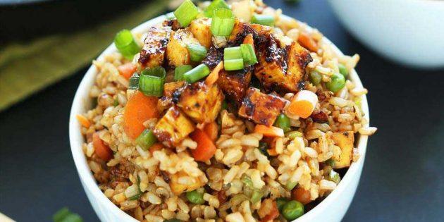 Рис с овощами и тофу