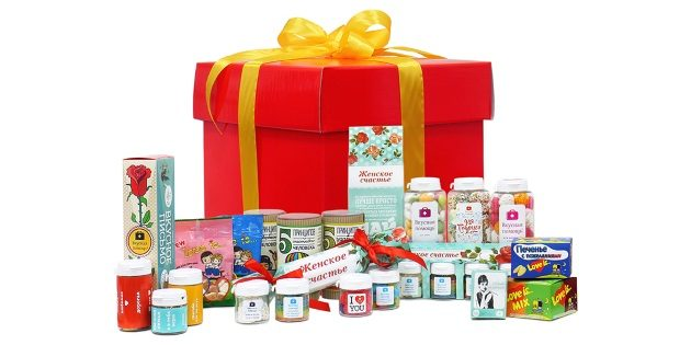 Подарки на 8 Марта: Коробка сладостей