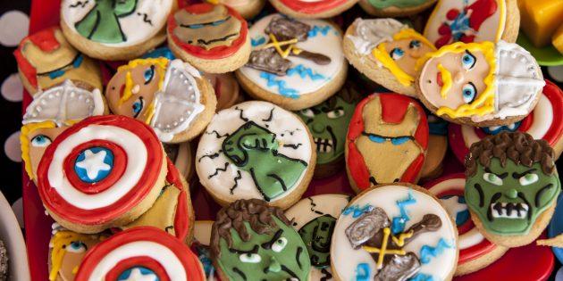 Подарки на 23 Февраля своими руками: печенье-супергерои