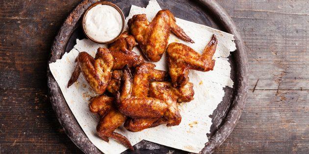10 крутых способов приготовить куриные крылышки в духовке и на сковороде