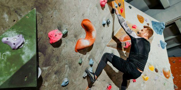 Боулдеринг: скалолазание для тех, кто боится высоты