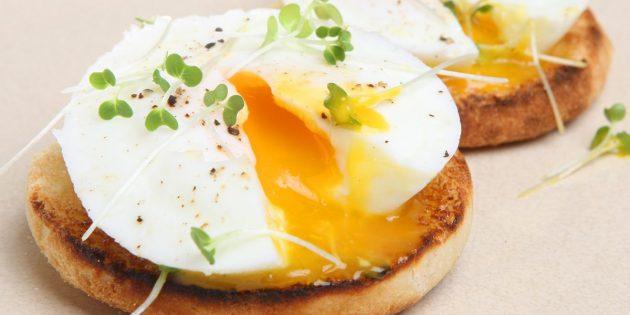 Яйцо пашот в кастрюле
