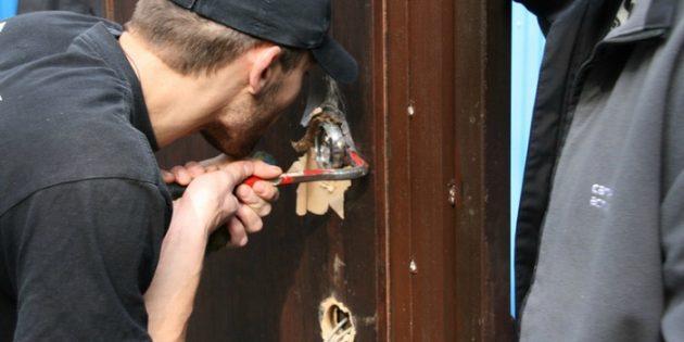 Что делать, если потерял ключи от квартиры: вскрытие дверного замка