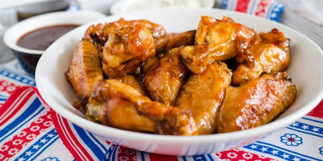 Куриные крылышки в медово-горчичном соусе