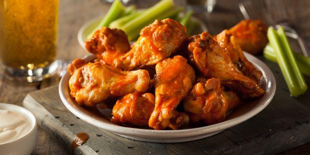 Как приготовить куриные крылышки в пивном соусе