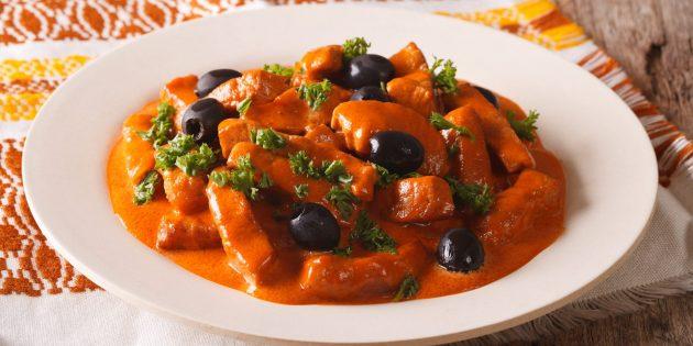 Блюда из свинины: тушёная свинина с оливками