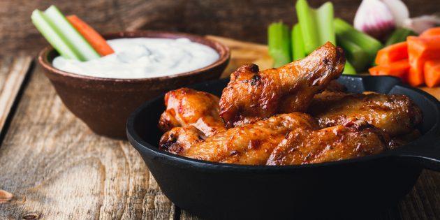 Куриные крылышки «Баффало» с соусом «Блю Чиз»